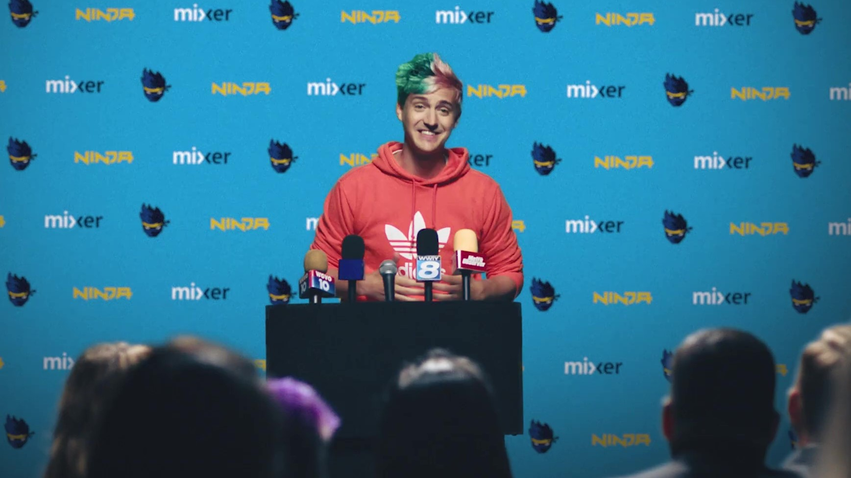 Ninja Gets 1 million subs on Mixer within a week | Pakistan